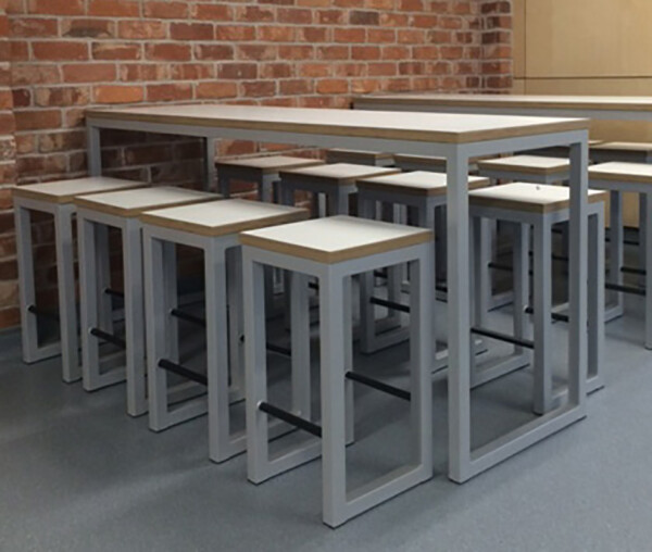 Urban Poseur Table And Stools (1)